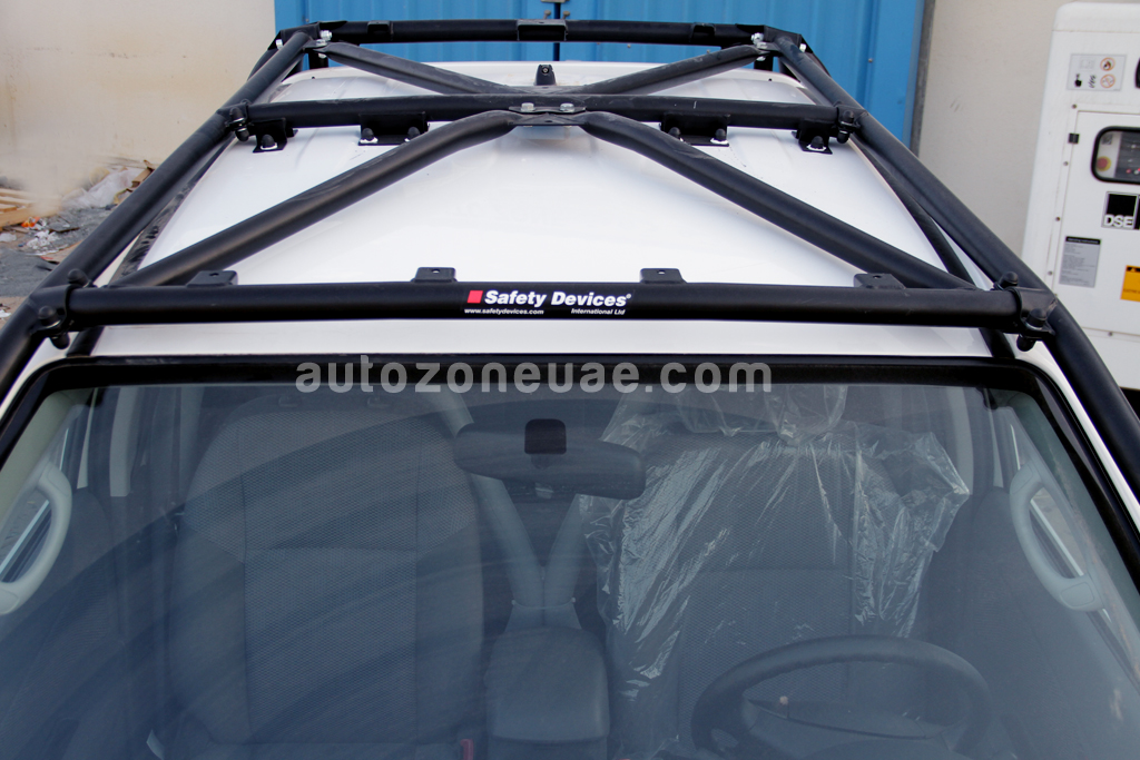 TOYOTA HILUX 4WD WITH ROLL OVER PROTECTION | Autozone Uae